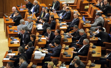 Parlamentarii se intorc la munca. Activitatea din Parlament se va suprapune cu campania electorala