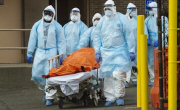 Coronavirus SUA, LIVE UPDATE 3 mai. Panică la New York după ce s-au găsit camioane pline cu cadavre. Mărturii teribile