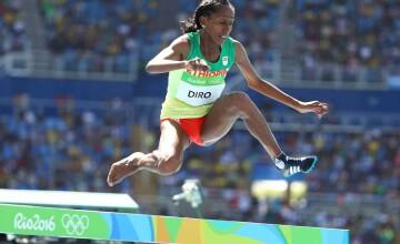 Atleta etiopiana Etenesh Diro, pe locul 7 in finala probei de 3.000 m obstacole, dupa ce a alergat doar cu un pantof