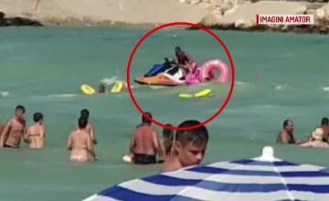 Turiștii ignoră steagul roșu și se avântă în valuri. Un tânăr a dispărut în mare, la Olimp