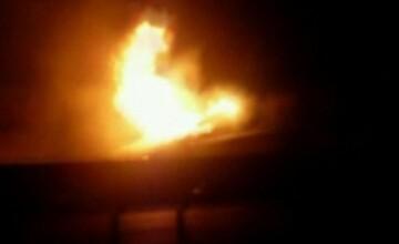 I-au anuntat vecinii ca arde casa cu ei inauntru!