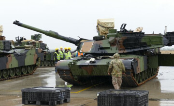 Armata americana trimite 70 de piese de echipament in tara noastra. Care este scopul oficial. GALERIE FOTO