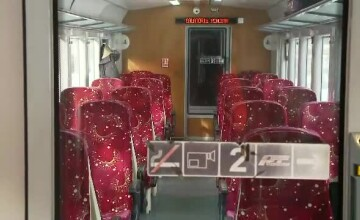 Tren cu călători, blocat în câmp. Pasagerii au avut căldură și lumină