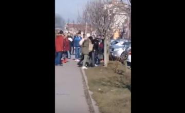 Bătaie între două eleve, într-un spațiu de joacă pentru copii din Alba Iulia