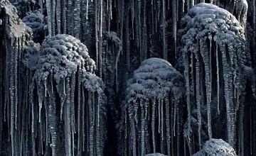 """Oraș acoperit de zăpadă neagră: """"Așa arată iarna în iad"""". Explicația fenomenului bizar"""