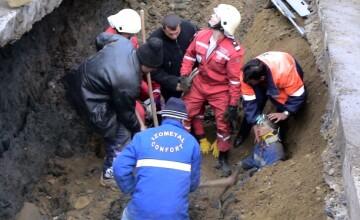 Un muncitor a ajuns la spital dupa ce a fost acoperit de un mal de pamant