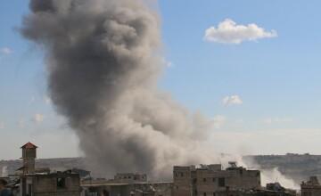 Atac aerian al fortelor ruse impotriva unei inchisori al-Qaida din Siria. Cel putin 39 de persoane au murit