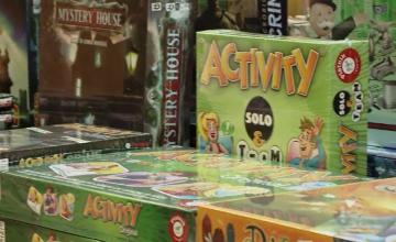 Jocurile de societate, din ce în ce mai căutate de români. Care sunt cele mai populare