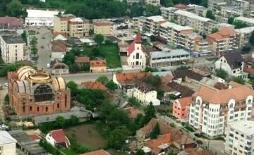 """Cum arată un oraş din Bihor după ce primarul i-a pus pe asistaţii social la muncă. """"Am făcut un program strict"""""""