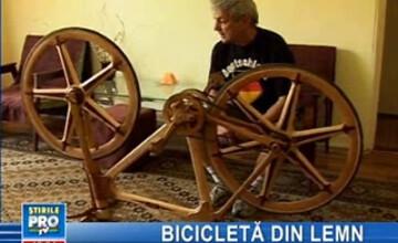 Şi-a construit o bicicletă funcţională, 100% din lemn