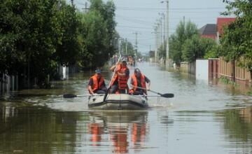 Ploi violente in Maramures si Prahova. Au cazut si 100 de l/m patrat