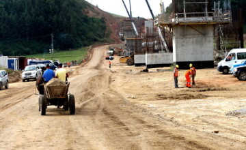 Terenuri distruse in zona autostrazii Transilvania