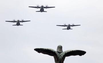 Spectacol pe cerul Capitalei, de Ziua Aviaţiei Române