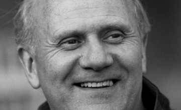 Doliu în fotbal. Antrenorul Mike Smith a murit la vârsta de 83 de ani