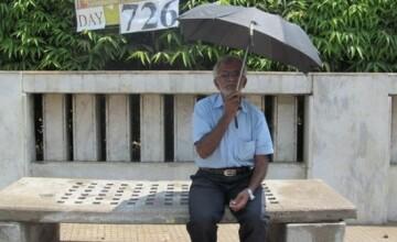 Protest extrem in India: un barbat de 75 de ani mananca doar paine si bea doar apa de patru ani. Ce acuzatii aduce guvernului