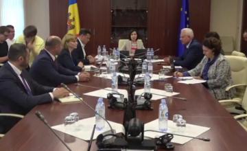 """Criză în Republica Moldova. """"Opinia personală"""" a lui Meleșcanu, împotriva SUA și UE"""