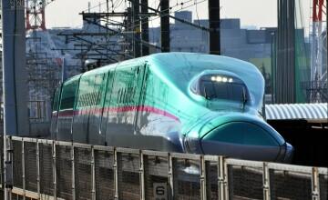 Trenul care circula cu 300 km/h, inaugurat in Japonia. FOTO si VIDEO