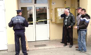 Scene infioratoare intr-un bloc din Timisoara. Un barbat a fost descoperit mort in putul unui lift