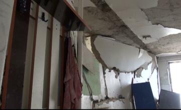 Explozia din blocul din Galati s-a produs cand un locatar si-a aprins o tigara. Primarul a cerut ajutorul Guvernului