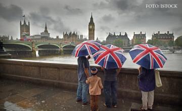 Liderii tarilor UE au adoptat in doar 15 minute strategia pentru Brexit. Cand vor incepe efectiv negocierile cu Londra