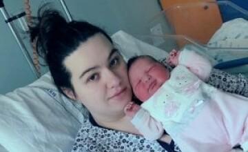 Cine este Aurora Maria, fetița care aduce speranța în Italia