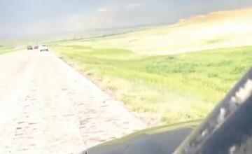 VIDEO. Momentul in care un vanator de tornade este lovit de fulger. Barbatul a trait sa-si spuna povestea