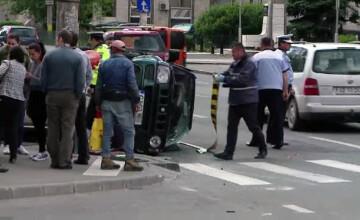 Asteptau pe trotuar, in centrul Clujului, cand au fost spulberati de o masina de teren. Cine ar fi vinovat de accident