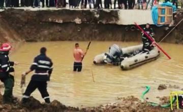 Groapa unde s-au înecat doi copii de 7 și 9 ani. Reacția primarului și a șefului de șantier