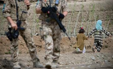 Migranți torturați și aruncați în râu de soldații iranieni. Cel puțin 23 ar fi murit