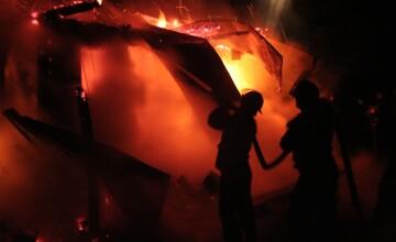 Incendiu urias la Timisoara! O cladire din centrul orasului s-a facut scrum