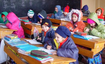 La scoala, ca in frigider! 400 de elevi din Brasov fac frigul