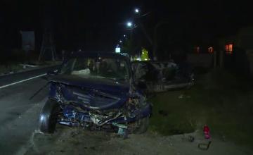 7 persoane au ajuns ranite la spitalul din Targoviste, dupa ce doua masini s-au coocnit violent