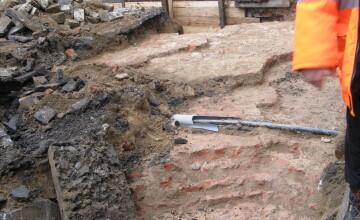 FOTO! Au fost descoperite vestigii arheologice in Piata Sfantul Gheorghe. Ce se va intampla