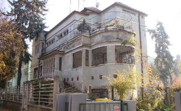 Mitropolia Banatului a ajuns sa cumpere una dintre cele mai frumoase cladiri din Timisoara. Vanzatorul: Clanul Carpaci