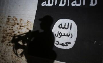 ISIS amenință Londra cu noi atacuri teroriste. Regina Elisabeta a II-a, plină de sânge