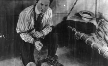 HALLOWEEN 2013. Povestea legendei care a murit pe 31 octombrie: Harry Houdini