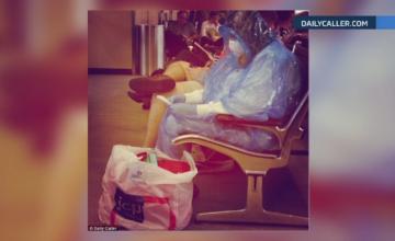 Alerta in SUA. Frica de Ebola naste reactii diverse printre oamenii care calatoresc cu avionul