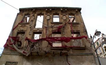 Românii preferă să își vândă clădirile aflate în paragină decât să le repare