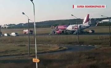 Alertă cu bombă falsă pe Otopeni. Un avion Wizz Air a aterizat de urgență