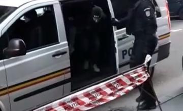 Poliţia a descoperit în Bucureşti o reţea de prostituţie care exploata fete sub 14 ani