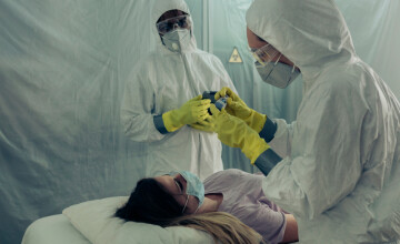 Cifre alarmante: Record de pacienți cu Covid-19 internați în spitalele din România și la ATI