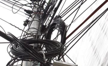 Propunere de lege: acces OBLIGATORIU al firmelor de comunicatii in locuinte