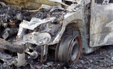 O persoană care a murit carbonizată în mașină nu a fost identificată nici după un deceniu