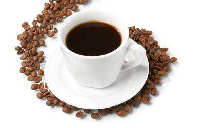 Bei mai mult de 4 cesti de cafea pe zi? Vezi ce poti sa patesti: