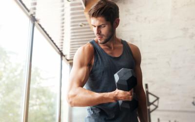 5 reguli ca să-ți dezvolți masa musculară