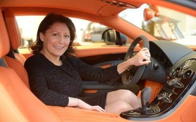 Ea e singura femeie din lume care-i face fericiti pe sefii Bugatti! Cum reuseste?