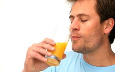 Sucul de fructe este cea mai rapida cale de a lua in greutate! Alimentele periculoase pentru diete: