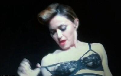Gest disperat al Madonnei pe scena din Istanbul VIDEO