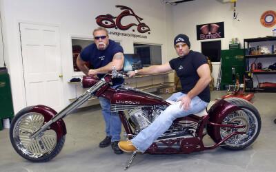 Paul Senior a lasat motocicletele pentru MMA! Vezi cum da la palmare alaturi de un luptator din UFC