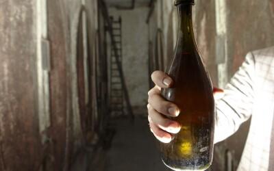 Sticla ASTA de vin a fost vanduta cu 38.300 euro! Vezi de ce costa atat de mult:
